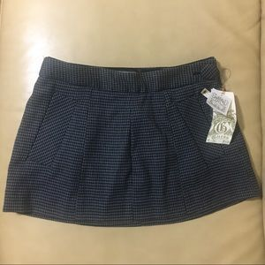 *NEW* Guess Houndstooth Mini Skirt